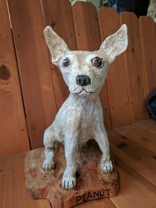 Chihuahua dog sitting chainsaw wood carving4