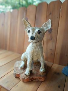 Chihuahua dog sitting chainsaw wood carving5